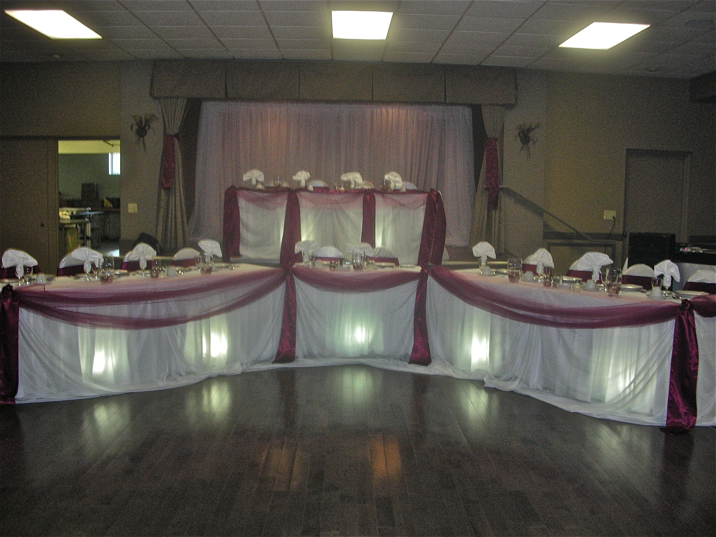Burgundy Wedding Theme Set The Mood Decor