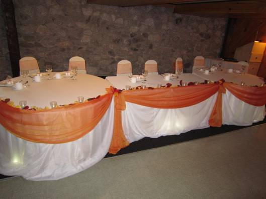 Set The Mood For Everything: Fall Wedding Decorations