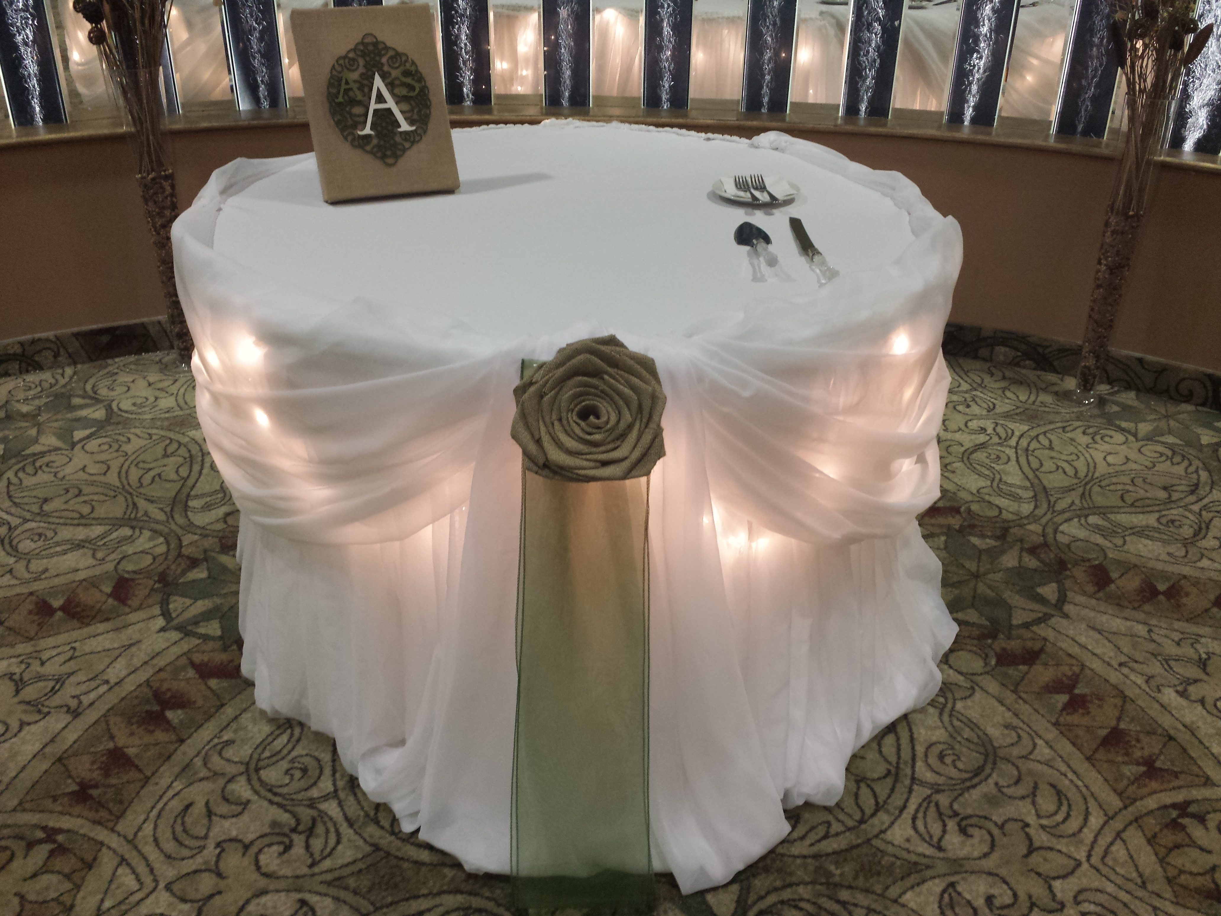 rustic wedding | Set The Mood Decor